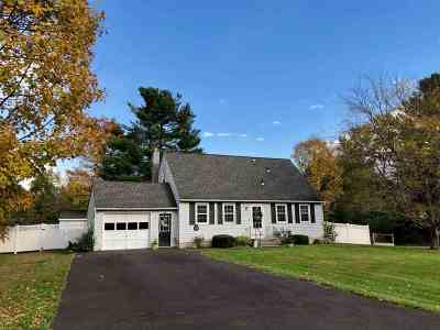 Rensselaer County Single Family Home New: 8 Middle Ct