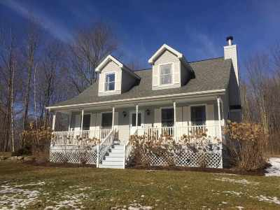 Rensselaer County Single Family Home New: 17 Gardner Hill Rd