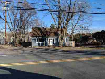 Waterford Single Family Home For Sale: 85 Hudson River Rd