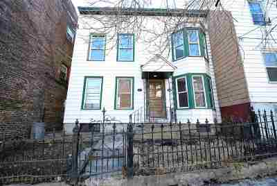 Albany Single Family Home For Sale: 20 Second Av