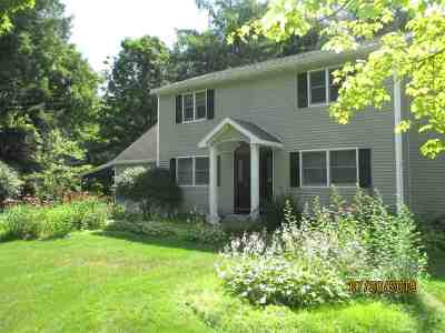 Albany, Amsterdam, Cohoes, Glens Falls, Gloversville, Hudson, Johnstown, Mechanicville, Rensselaer, Saratoga Springs, Schenectady, Troy, Watervliet Single Family Home For Sale: 424 Daniels Rd
