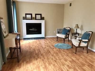 Bethlehem Single Family Home For Sale: 12 Leaf Rd #12
