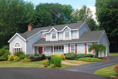 Clifton Park Single Family Home For Sale: 3 New Hampshire Ct
