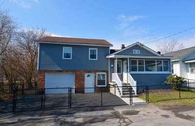 Single Family Home For Sale: 2 North St
