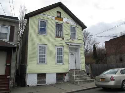 Troy Two Family Home For Sale: 426 8th St