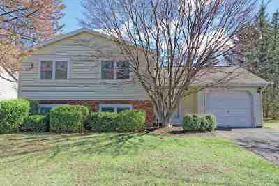 Cohoes Single Family Home For Sale: 14 Meadowlark Dr