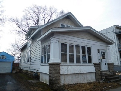 Albany Single Family Home For Sale: 82 Walter St