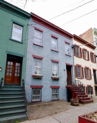 Albany Single Family Home For Sale: 196 Jay St