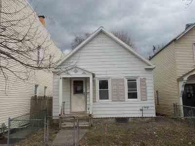 Troy Single Family Home For Sale: 390 4th Av