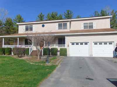 Queensbury Single Family Home For Sale: 31 Stonehurst Dr