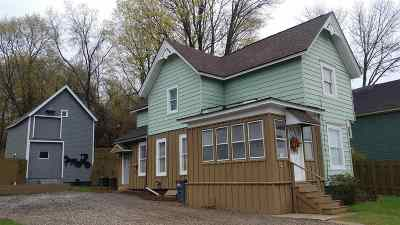 Gloversville Single Family Home For Sale: 7 Beaver St