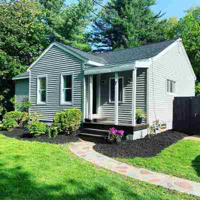 Single Family Home For Sale: 7 New Shaker Rd