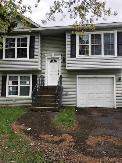 Cohoes Single Family Home For Sale: 61 Heartt Av