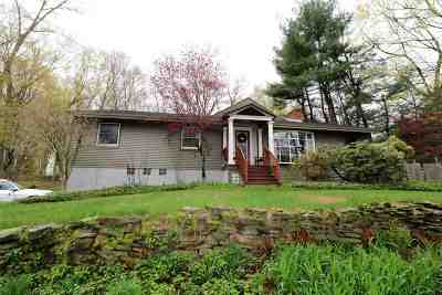 Clifton Park Single Family Home For Sale: 7 Stony Brook Dr