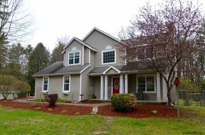 Wilton Single Family Home For Sale: 9 Forest Way