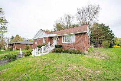 North Greenbush Single Family Home For Sale: 4 Sitzmark La