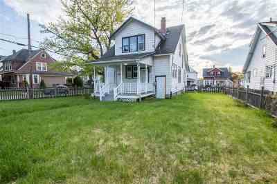 Troy Single Family Home For Sale: 856 7th Av