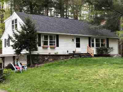 Poestenkill Single Family Home For Sale: 16 Mohawk Dr
