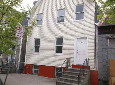 Albany Single Family Home For Sale: 434 3rd St