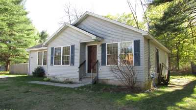 Lake George NY Single Family Home For Sale: $134,000