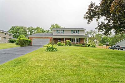 Colonie Single Family Home For Sale: 3 Niblick Pl