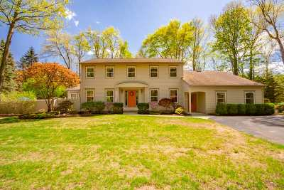 Clifton Park Single Family Home For Sale: 10 Applewood Dr