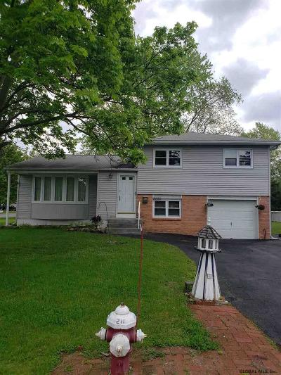 Niskayuna Single Family Home For Sale: 2282 Van Rensselaer Dr