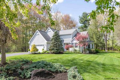 Guilderland Single Family Home For Sale: 5177 Woodlawn Dr