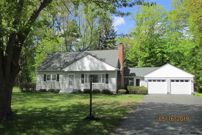 Schenectady County Single Family Home For Sale: 26 Woodcrest Dr