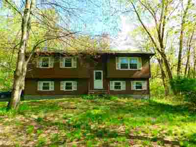 Rensselaer County Single Family Home New: 16 Chaundry La