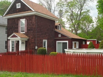 Gloversville Single Family Home For Sale: 71 3rd Av