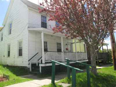 Johnstown Single Family Home For Sale: 104 West Green St