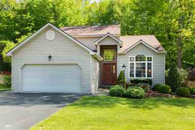 Saratoga Springs Single Family Home For Sale: 18 Sundance Dr