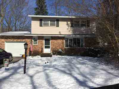 Colonie Single Family Home For Sale: 5 Farnam Pl