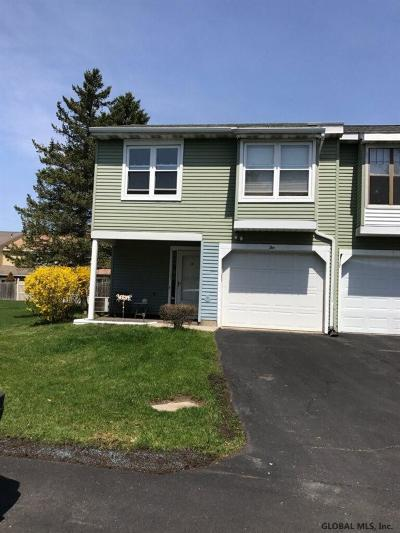 Cohoes Single Family Home For Sale: 10 Stonehenge Sq
