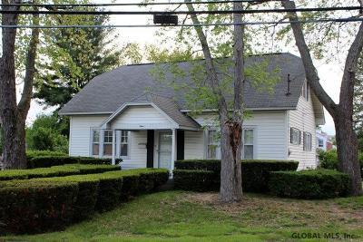 Guilderland Single Family Home For Sale: 3 Gipp Rd