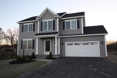 Single Family Home For Sale: 57 Waverly Cir
