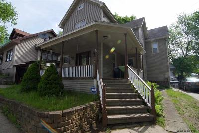 Gloversville Single Family Home For Sale: 14 Allen St