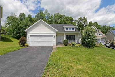 Mechanicville, Stillwater Single Family Home For Sale: 29 Revere Run