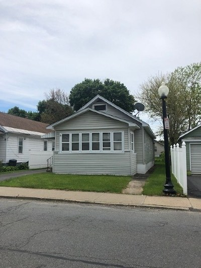 Schenectady Single Family Home For Sale: 1518 California Av
