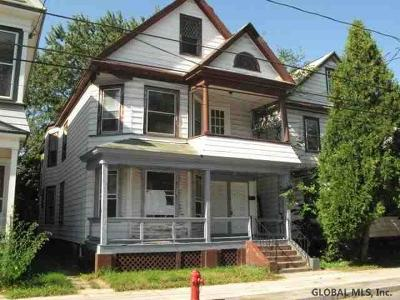 Schenectady Multi Family Home For Sale: 114 Victory Av