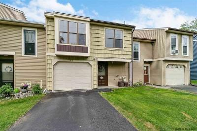 Cohoes Single Family Home For Sale: 49 Meadowlark Dr