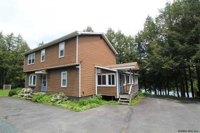 Rensselaer County Single Family Home For Sale: 55 Deer Run Way