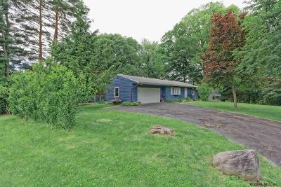East Greenbush Single Family Home For Sale: 5 Sunset La