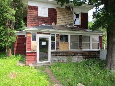Florida Single Family Home For Sale: 3674 Maple Av