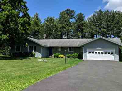 Niskayuna Single Family Home For Sale: 1108 Merlin Dr