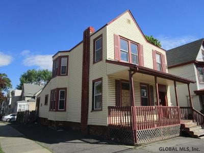 Albany Single Family Home For Sale: 20 Colby St