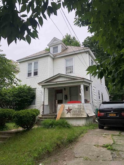 Schenectady Single Family Home For Sale: 1684 Avenue B