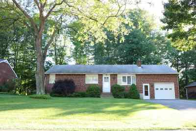 Bethlehem Single Family Home For Sale: 15 Wallace Dr