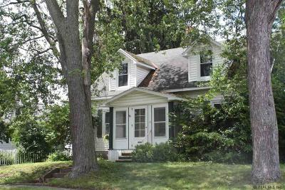 Schenectady Single Family Home For Sale: 71 Eastholm Rd